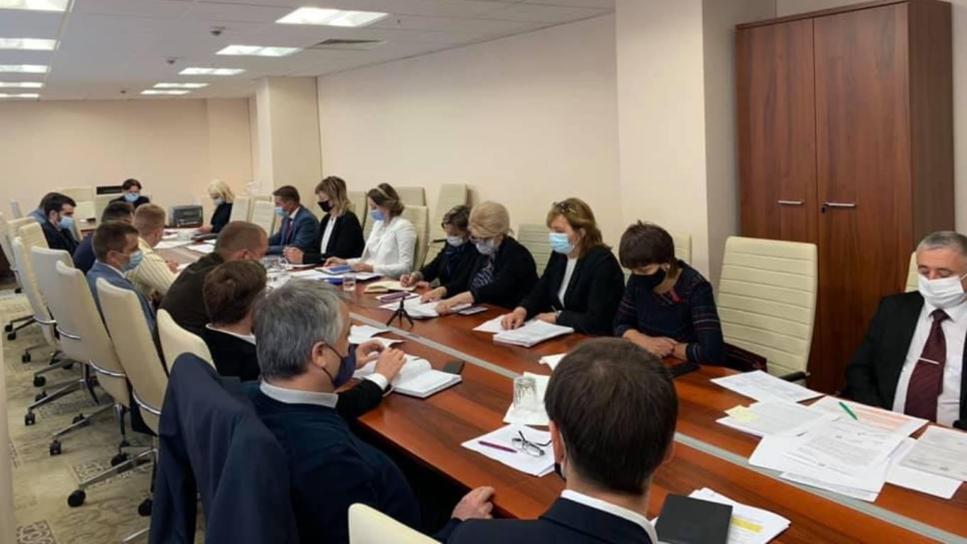 Curtea de Conturi a Republicii Moldova (CCRM) a prezentat la data de 22 septembrie, în cadrul Comisiei parlamentare de control al finanțelor publice (CCFP) ), rezultatele a două rapoarte de audit și anume, Raportul auditului conformității asupra utilizării resurselor financiare publice alocate Serviciului Prevenirea și Combaterea Spălării Banilor (SPCSB) în perioada 2018-2020, aprobat prin Hotărârea CCRM nr. 14 din 23 aprilie 2021 și Raportul auditului performanței de mediu în domeniul managementului deșeurilor din plastic, aprobat prin Hotărârea CCRM nr. 26 din 21 iunie 2021.